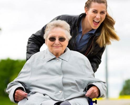 servizio badante como aes domicilio servizio anziani