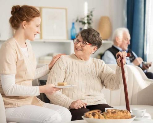 badanti como alimentazione anziani